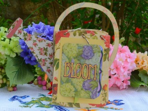 Art Deco Bloom Sentiment